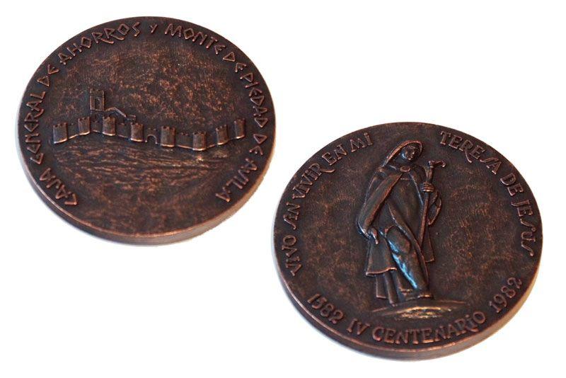 Medalla IV Centenario muerte Santa Teresa