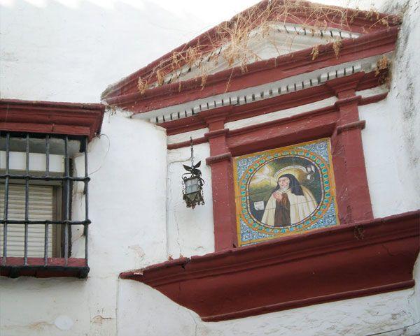 Santa Teresa de Jesús (Entrada Principal del Convento) en Carmelitas Descalzas, Alba de Tormes