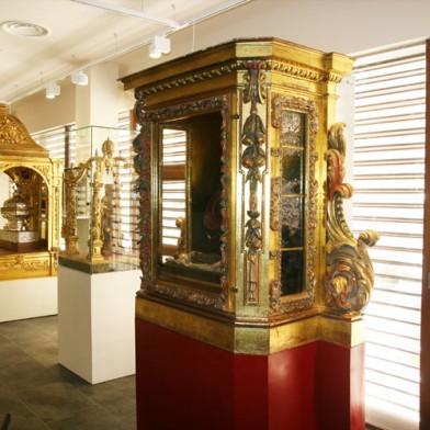 Museo-carmelitano.-Sala-de-estandartes.-1