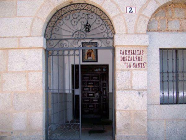 Santa Teresa de Jesús en Carmelitas Descalzas, Sepulcro de Santa Teresa